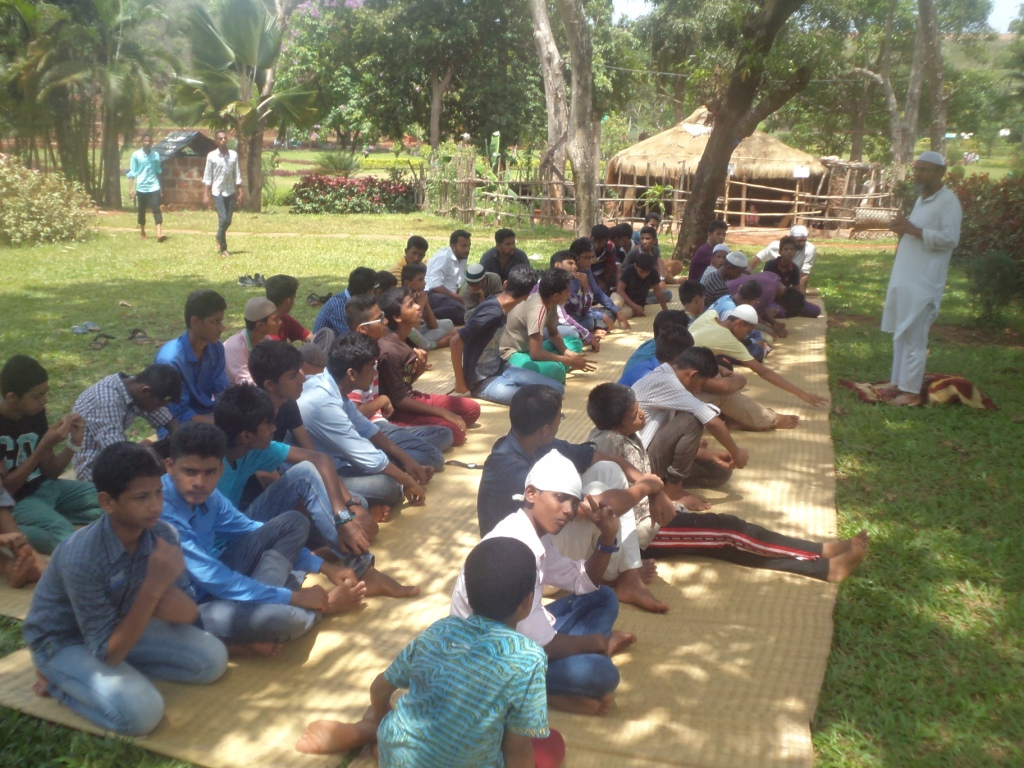 Students at Sanguem Dam