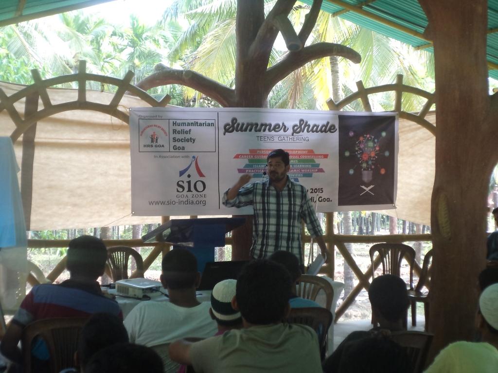 Br Abdul Wahab Addressing Students
