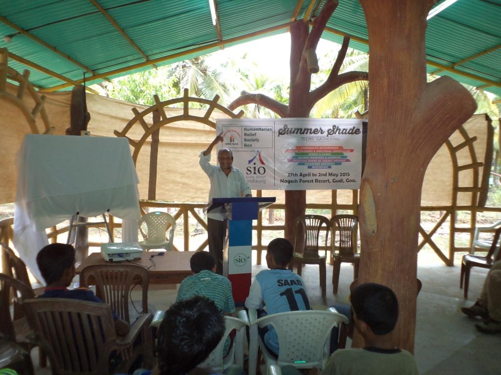 Ameere Halqa Addressing the Students